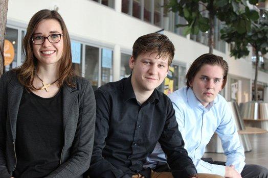 NHL-studenten bouwkunde Nicole Bakker (projectleider), Nils Treffers en Theun ter Velde onderzochten inpassing van PV in cultureel erfgoed (foto: Tom de Hoog | CONTEXT)